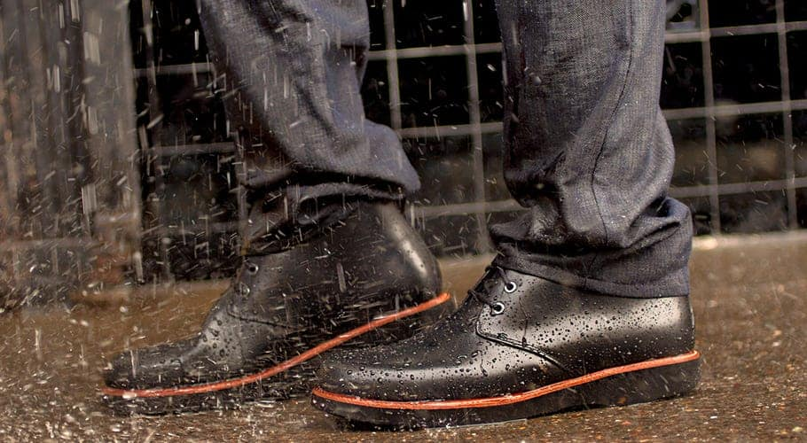 can you wear leather boots in rain