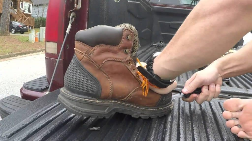 Can you take the steel toe out of boots