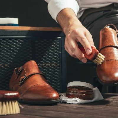 How to Polish leather Shoes 1
