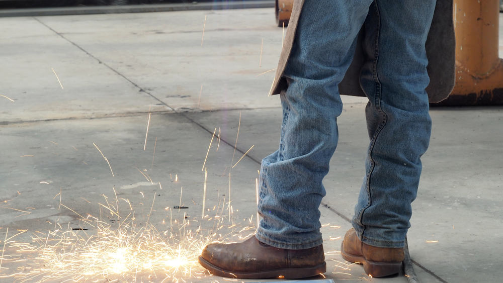 Features-of-welding-boots