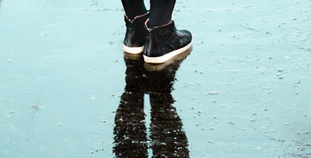 difference between waterproof and water-resistant boots