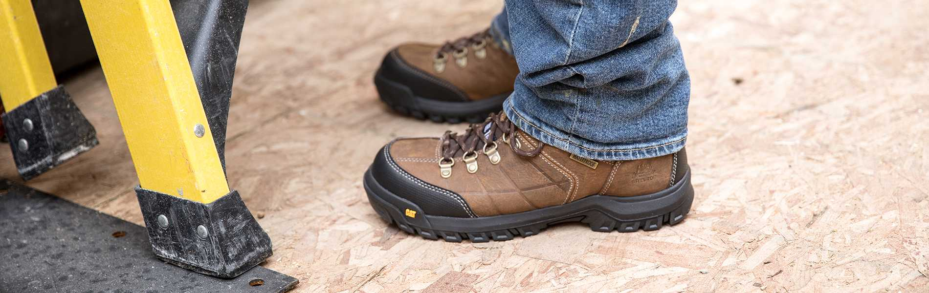 9 Best Steel Toe Work Boots for Men and Women