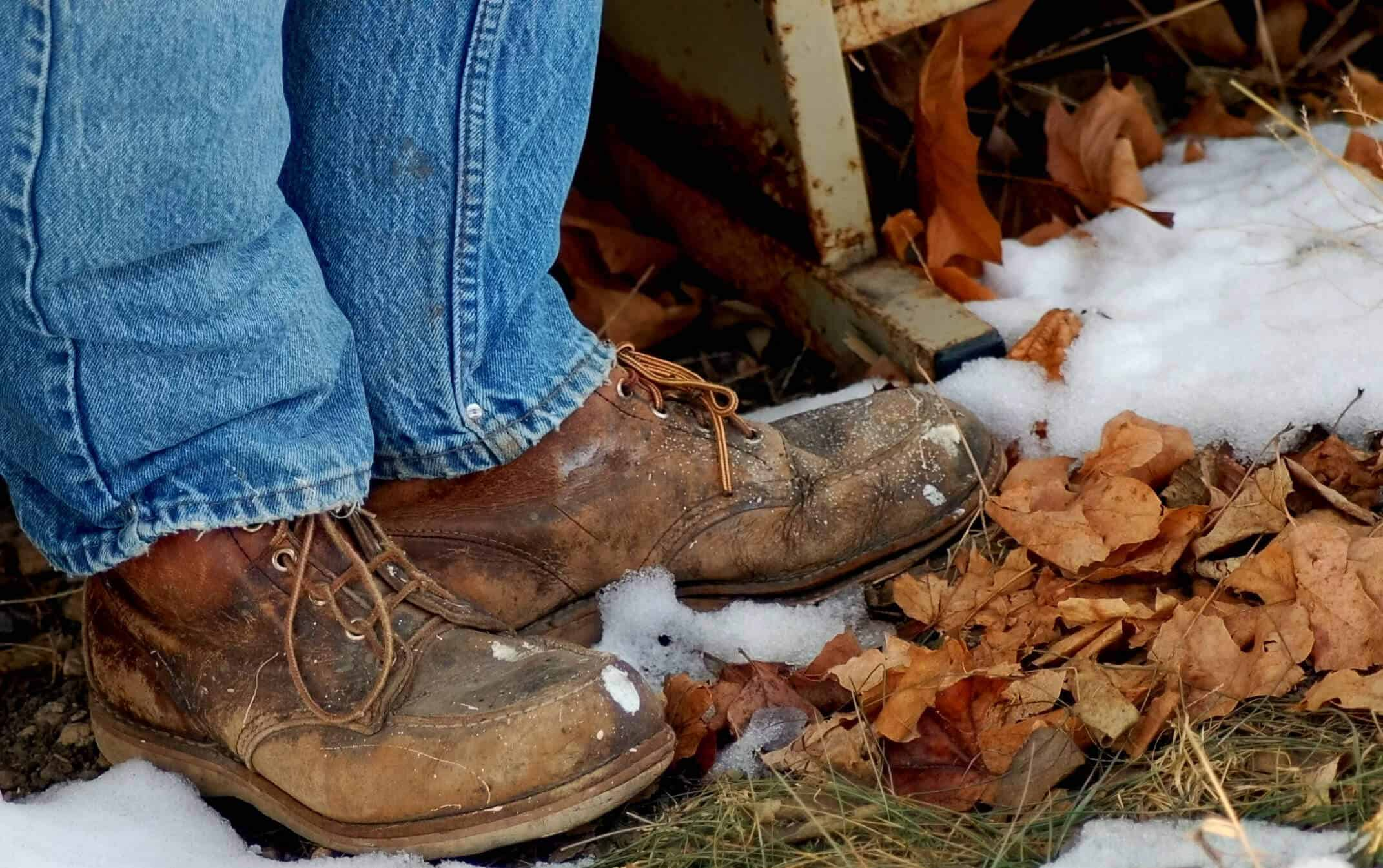 7 Best Ways to Keep Feet Warm in Work Boots