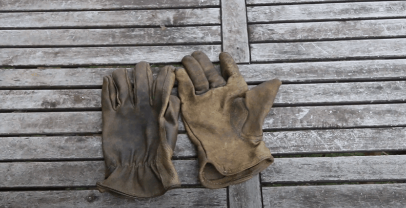 How to repair and recycle old work gloves