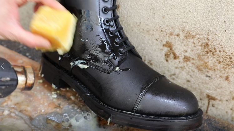 beeswax on boot