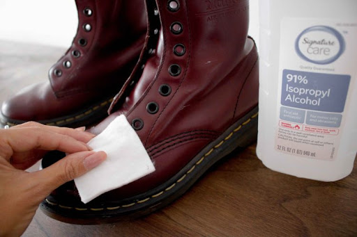 rubbing alcohol on boots