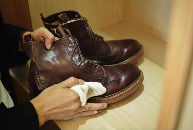Will Baby Oil Soften Leather Boots